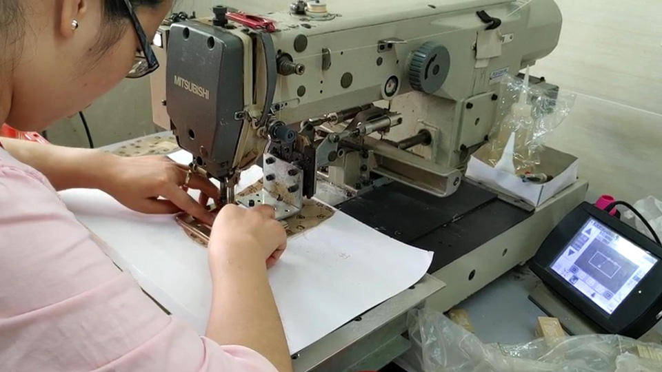Computer Controlled Cycle Sewing Machine For Best Leather Handbags