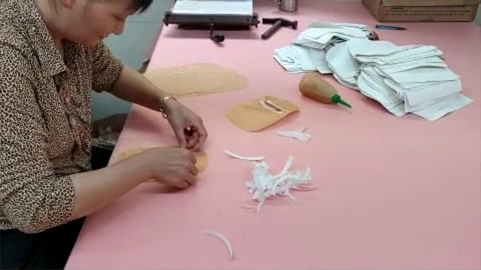 Leather Tote Bag  Zipper Frame Reinforcement Gluing