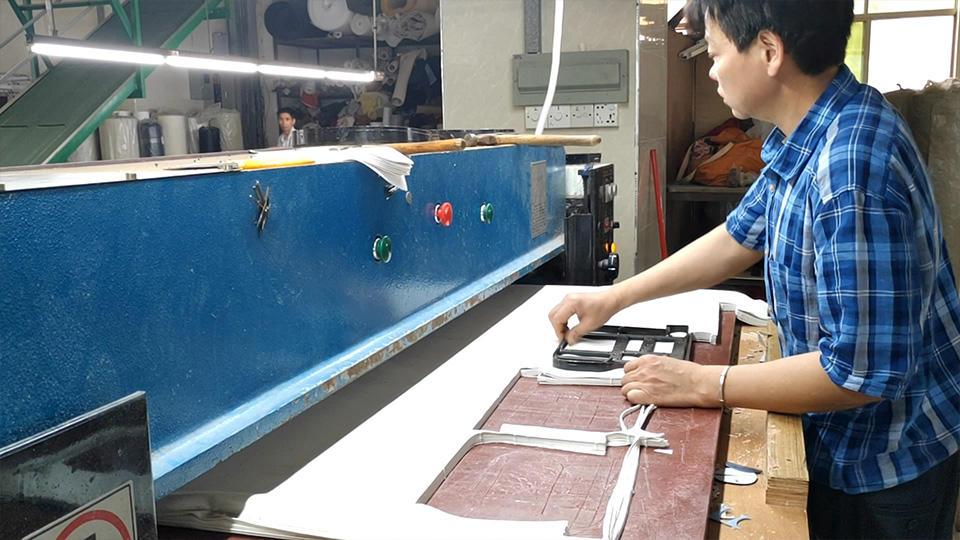 Nylon Bag Raw Material Cutting